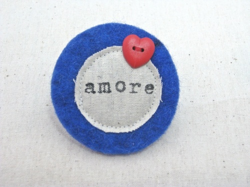 Navy amore with red heart