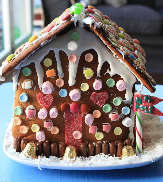 Gingerbread house - front view