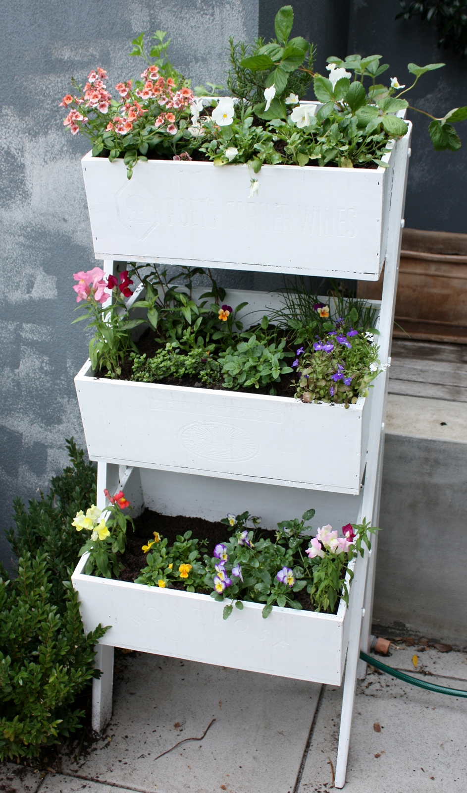an upcycled wooden planter a journey from pine monstrosity to herby flowery delight. Black Bedroom Furniture Sets. Home Design Ideas