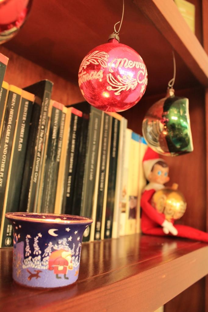 Christmas Tea light, vintage bauble and shelf elf