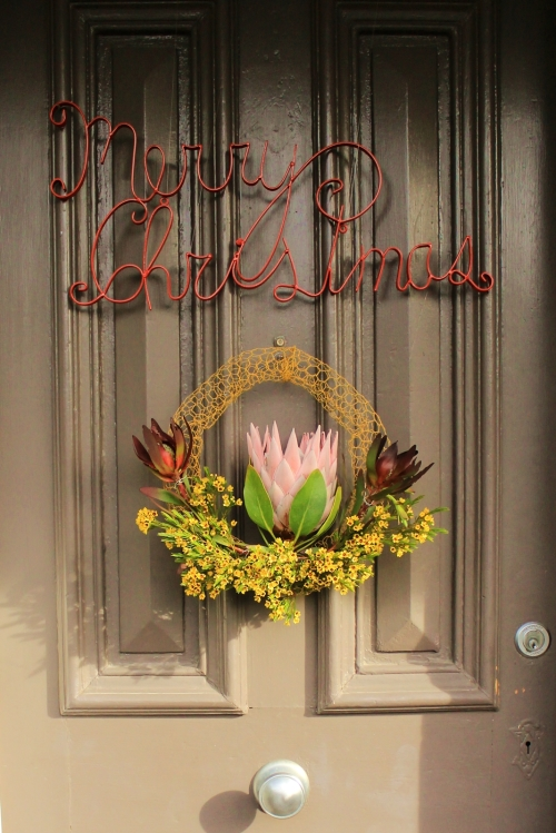 Merry Christmas, doorknob and wreath