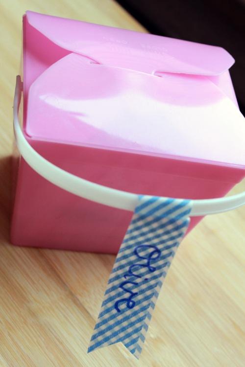 Little pink noodle box Olive