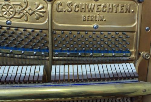Interior piano Schwechten