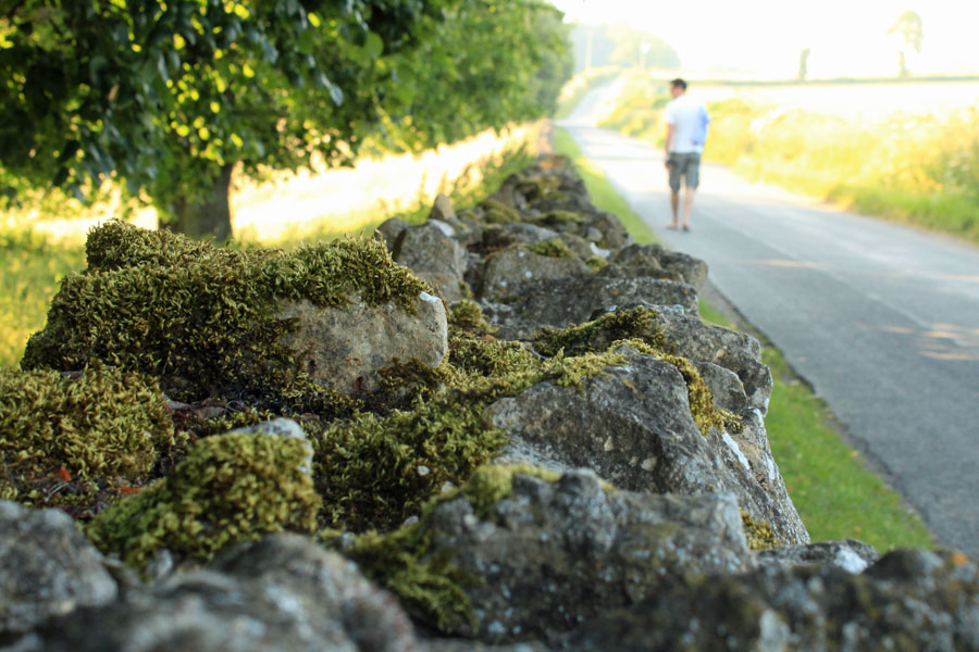 Cotsewold's wall and road
