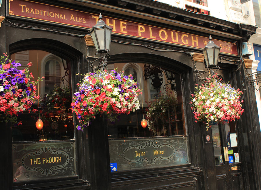 London pub with flowers