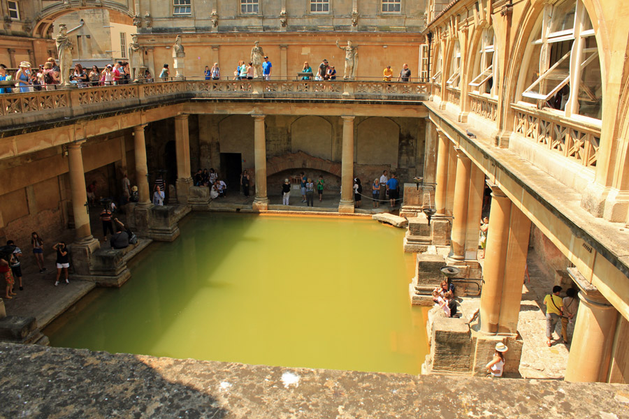Main-Roman-bath-in-Bath