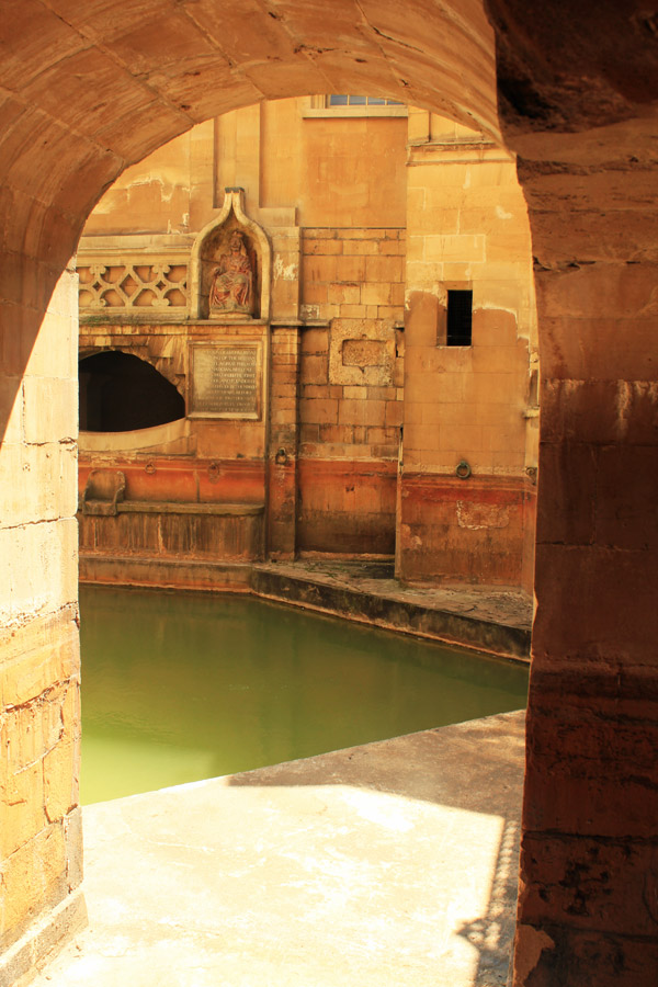 View-through-an-arch-Bath