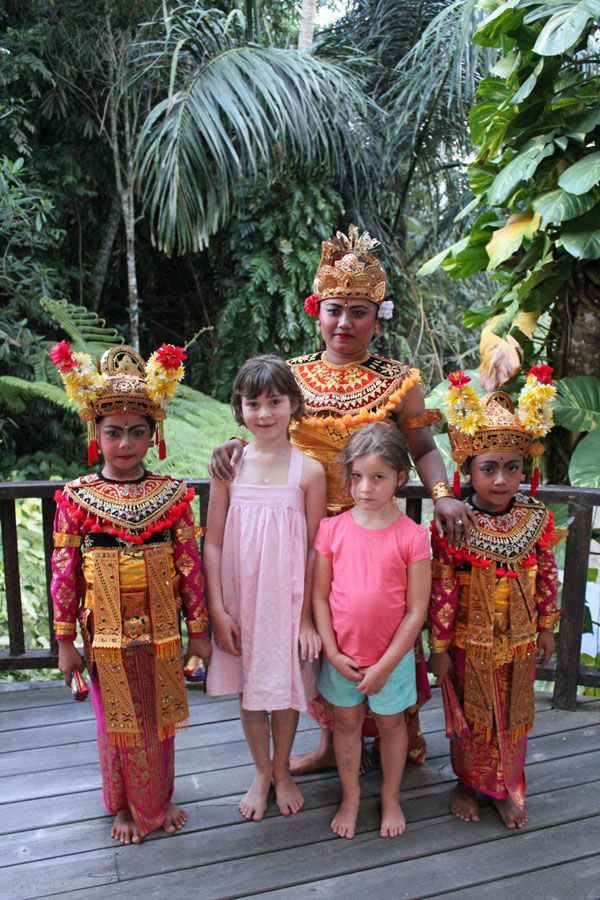 Girls and Balinese dancers